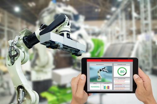 iot-industry-4.0-industrial-engineer-using-software